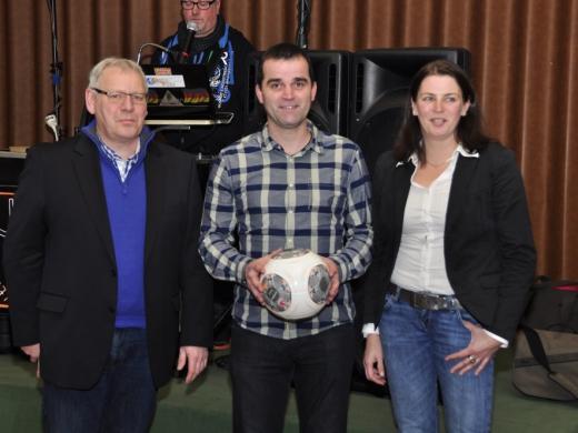Jugendwart Johannes Ebler mit Klaus Hülsmann und Anita Lennartz vom NFV