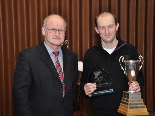 Sportler des Jahres, Sebastian Bruns mit Vorsitzendem Paul Frerker